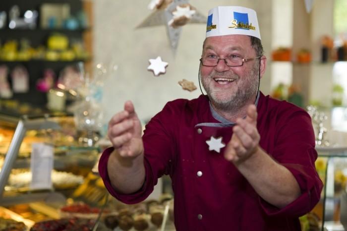 Martin Schönleben mit Zimtsternen