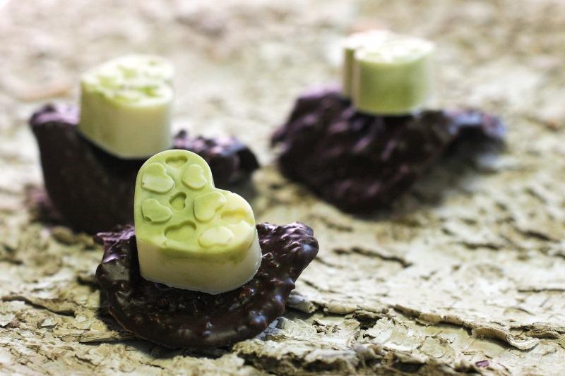 Grüner Tee Praline und Schokodachziegel vereint