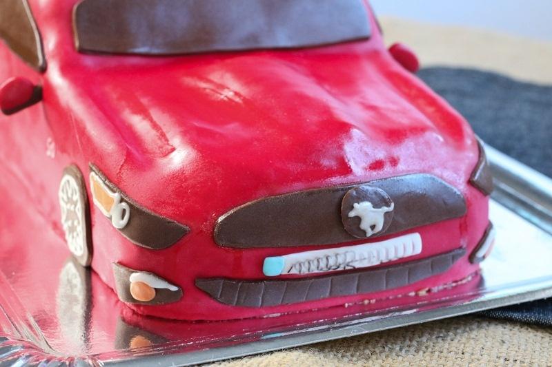 Torte als Auto