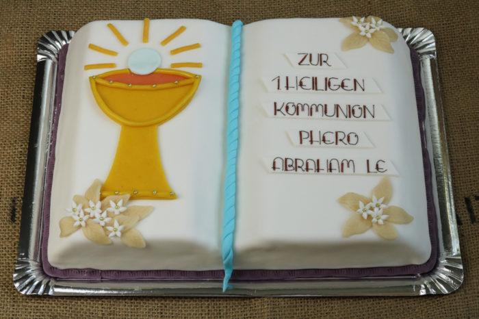 Buch als Kommunionstorte