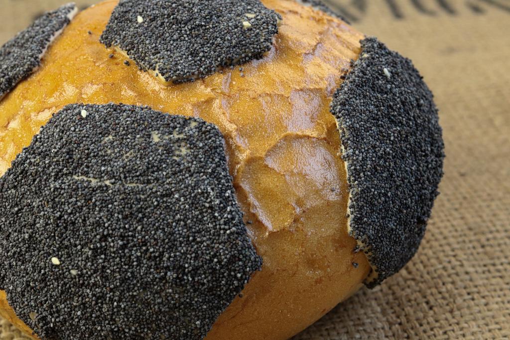 Brot in Fußballform
