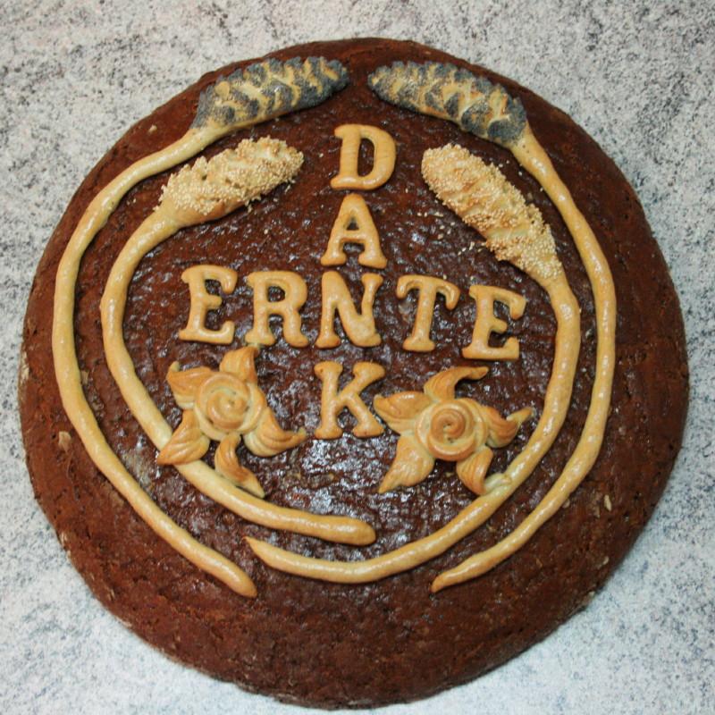 schön verziertes Brot